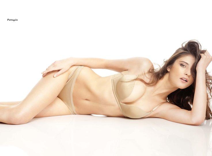 Katarina Ivanovska (nacido el 18 de agosto de 1988) es un modelo superior y la película de Macedonia actriz. Ella comenzó su carrera como modelo en 2004, después de ganar los modelos Look Internacional búsqueda de modelos en Macedonia.