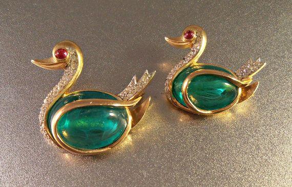 Trifari Flawed Emerald Rhinestone Swan Brooch by LynnHislopJewels