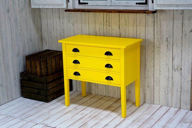 Żółta komoda z drewna - kolekcja Charlotte