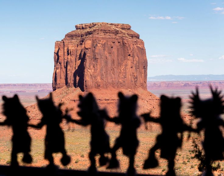Marquicio Pagola  Dancing figures Little indian figures that looked like puppets are exhibited on a window at the Monument Valley Visitor Center, Utah, USA.  NIKON D610 70.0-300.0 mm f/4.5-5.6 100mm/ƒ/8/1/800s/ISO 400  #desert #southwest #arizona #kahina #zuni #navajo #fetish