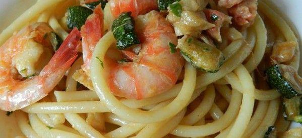 Bucatini terra e mare #pasta #shrimp #eggplant #zucchini  #ricette #recipe #sardegna #ricettedisardegna