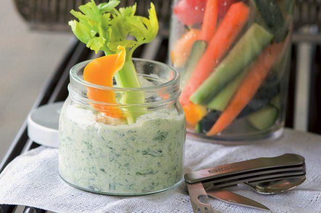 Zelenina s bylinkovým dipem