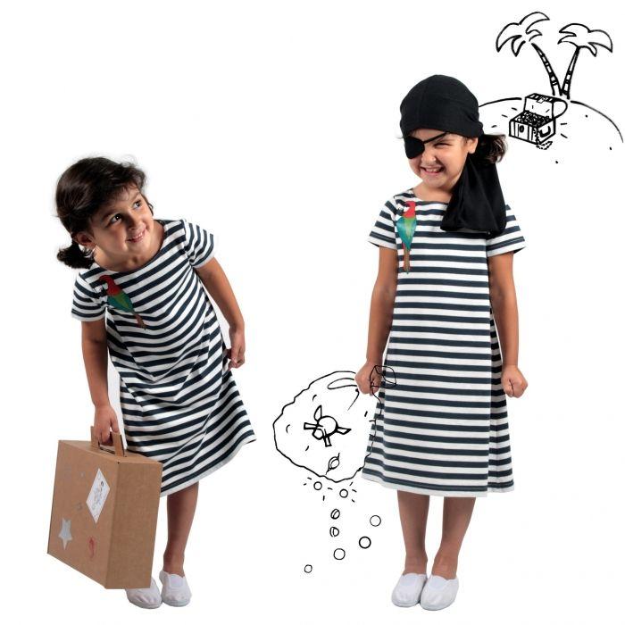 kit pirate fille v tement de ville habit de jeu kid. Black Bedroom Furniture Sets. Home Design Ideas