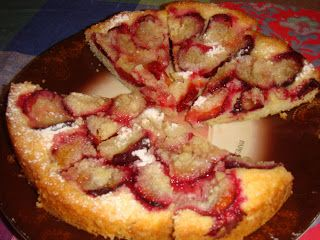 Plum crumble cake in Remoska