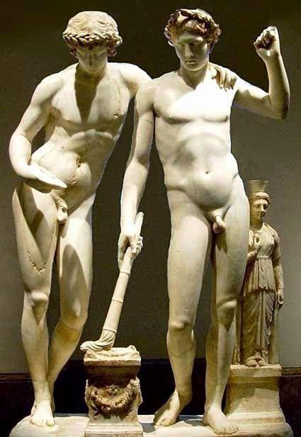 Τα δύο θρυλικά αδέλφια με λακωνική καταγωγή λατρεύτηκαν από τους ΄Ελληνες ως θεοί. Ο αρχαίος ποιητής Πίνδαρος αναφέρει ότι οι δύο αδελφοί ζο...