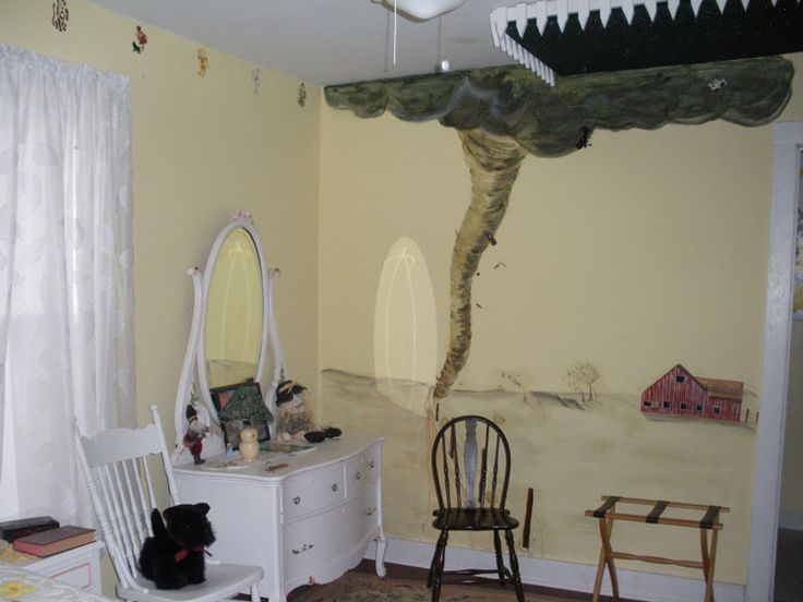 Wizard Of Oz Rooms Room The Americanna Has Both A Queen Sized Bed And