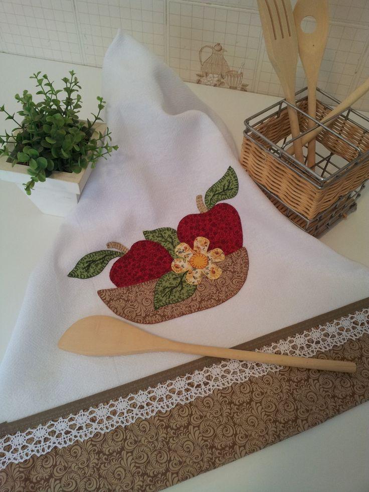 Pano de Prato em Patch Aplique com barrado em tecido 100% algodão…