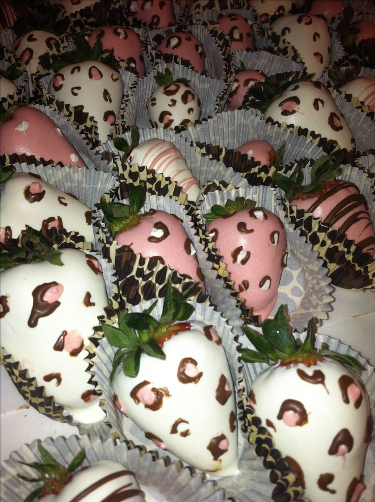 Leopard chocolate covered strawberries