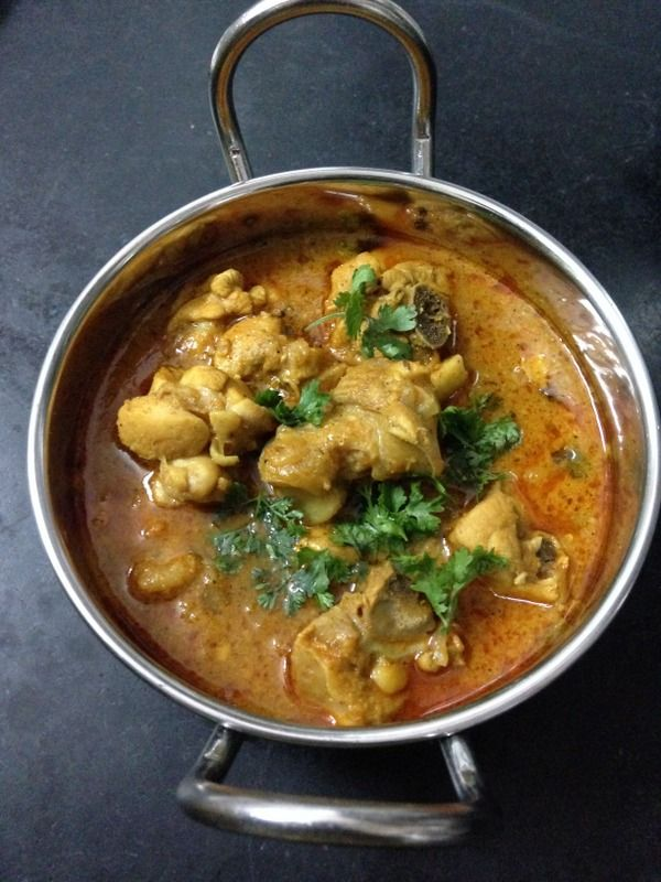 Chicken curry recipe here is made with onions and tomato puree and few other ingredients like green paste which bring an amazing aroma in the chicken curry.