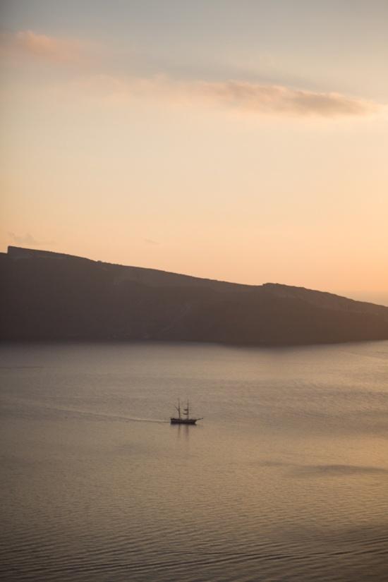 The Perfect Sunset ✈ Destination Wedding in Santorini, Greece