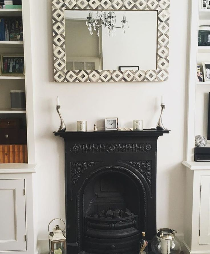 Our Banyan mirror is taking pride of place in this monochrome sitting room. Thanks for sharing, Bun Bun Bros!