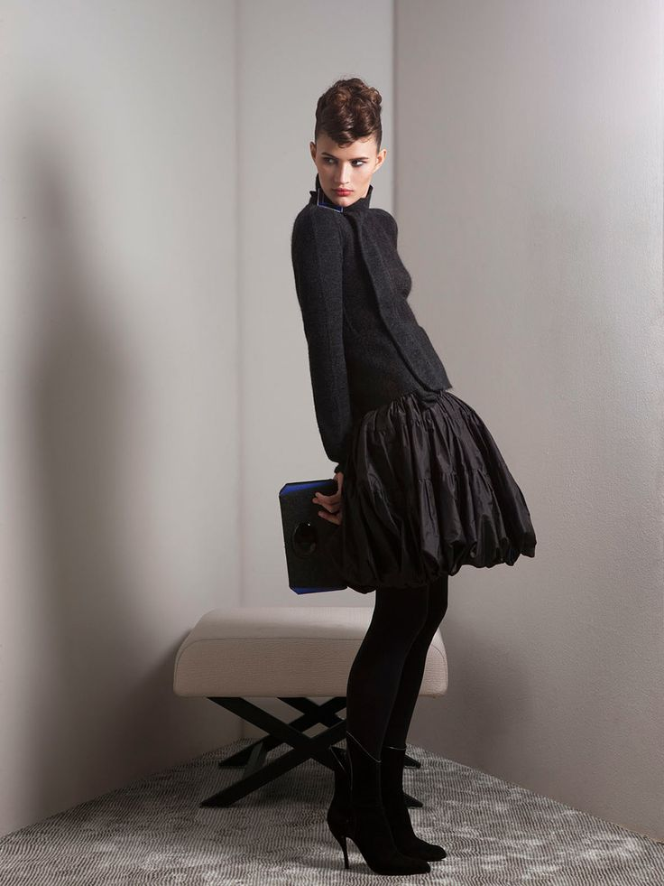 Giorgio Armani Pre-Fall 2012 - Review - Fashion Week - Runway, Fashion Shows and Collections - Vogue