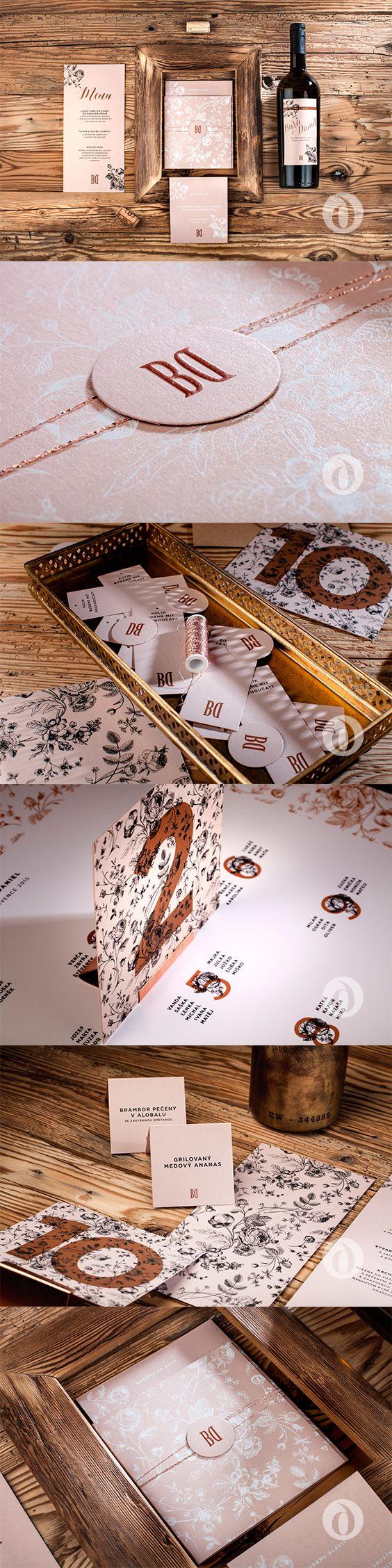 Romantic wedding invitation, wedding menu and stationery made of metallic and transparent paper / Romantické svatební oznámení, svatební menu, jmenovka a další drobnosti vyrobené z metalického a transparentního papíru