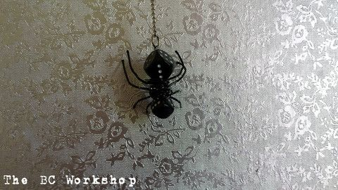 Luck of the Roll Spider Pendant / Key Chain