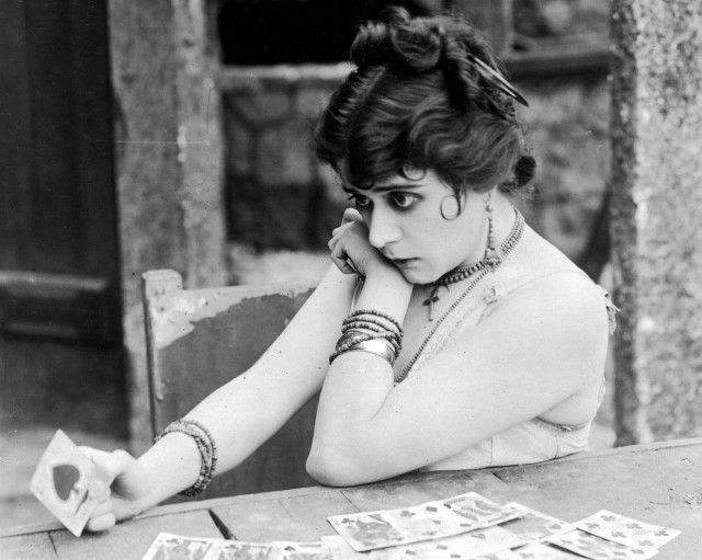 Scandals of Classic Hollywood: The Most Wicked Face of Theda Bara | The Hairpin