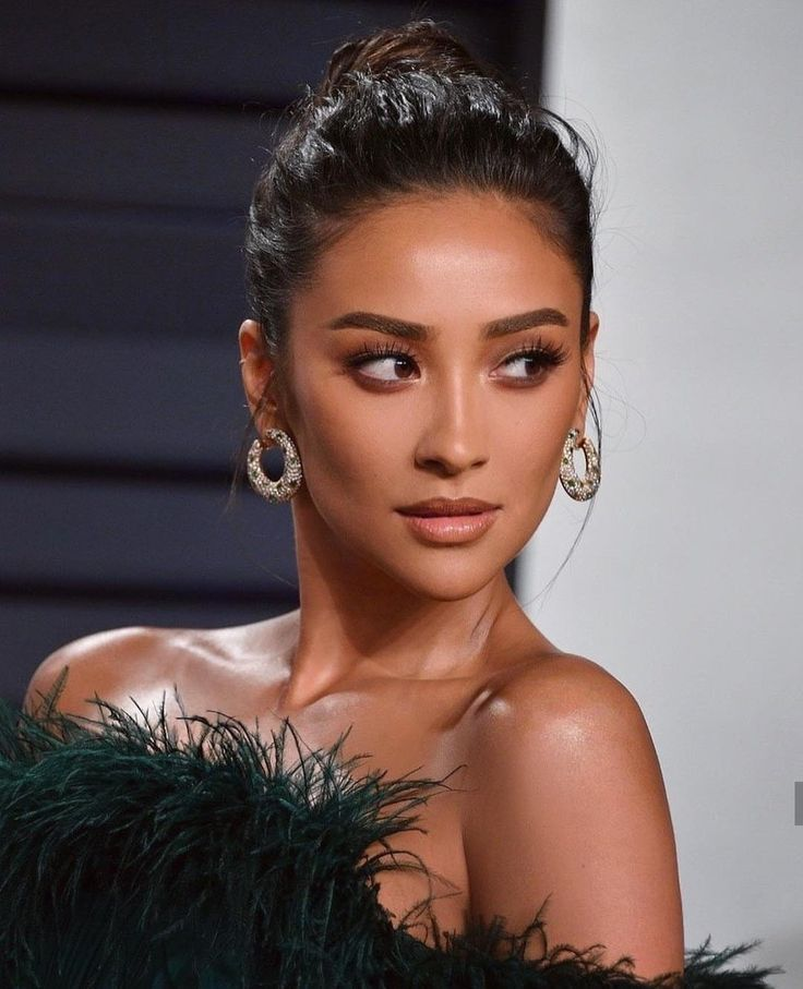 Pin By Shay On Hallway In 2019: Pin By Rachelle Cabrera On PLL In 2019