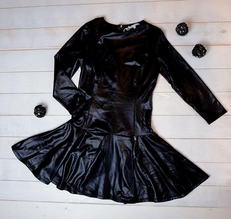 Черный - это всегда стильно! 🔝Особенно, если это черное платье от Patrizia Pepe. Приталенное платье с расклешенной юбкой и застежкой сзади на молнии◼️ Размер 14-16 лет Заказ и вопросы Viber/ WhatsApp/Telegram 📱➡ +7-927-282-72-71 Заказ каталога на нашем сайте, ссылка указана здесь ➡ @dolce_fashion_kids Доставка по миру 📦✈🌍 #КАТАЛОГ_Dolcefashion #детицветыжизни #детишки #детиэтосчастье #детка #счастливыймалыш #мода #модныедети #модныедетки #моднаядетскаяодежда #модныедевочки#patriziapepe…