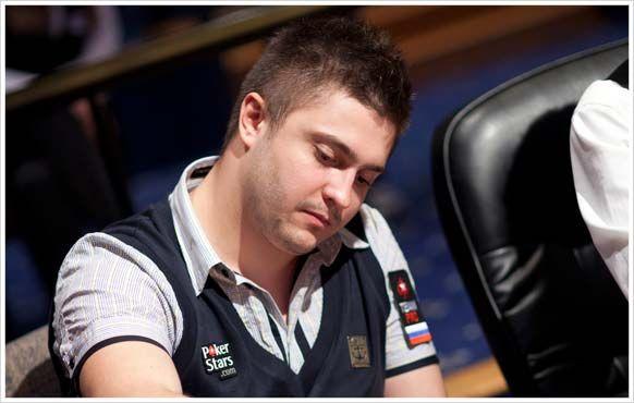 Desde aí, não parou de aumentar estes pequenos investimentos até um gigantesco bankroll, e atualmente encontra-se entre os mais bem-sucedidos jogadores de torneios ao vivo russos de todos os tempos.