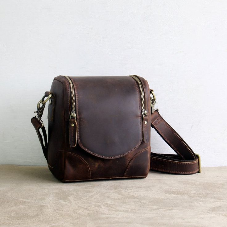 25  best ideas about Leather camera bag on Pinterest | Camera bags ...