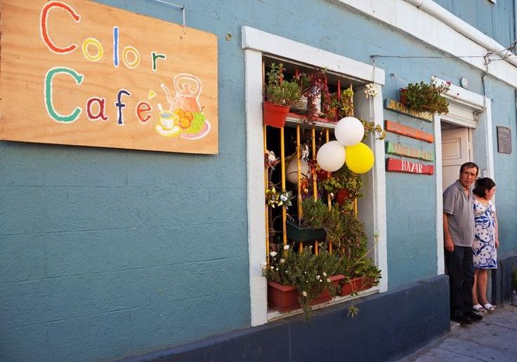 color cafe in valparaiso