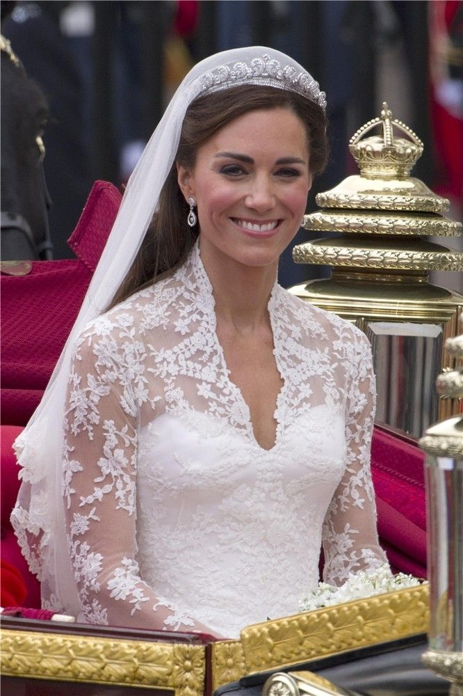 Peinados de novias famosas: estilos que inspiran! El peinado de Kate Middleton