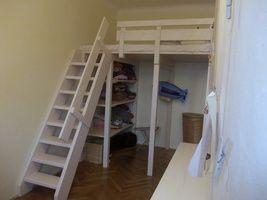 Patrová postel z masivního dřeva