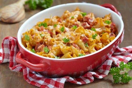 Slow Cooker Sour Cream Pasta Bake   Stay at Home Mum #pasta #slowcooker