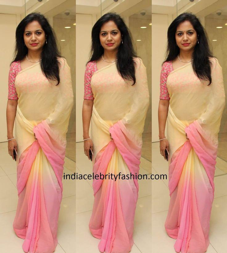 singer-sunitha-in-plain-chiffon-saree.jpg (1436×1600)