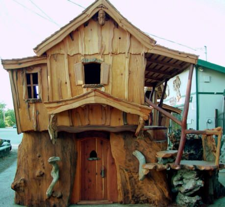 Tree House by Master Carver Steve Blanchard (with a chainsaw)
