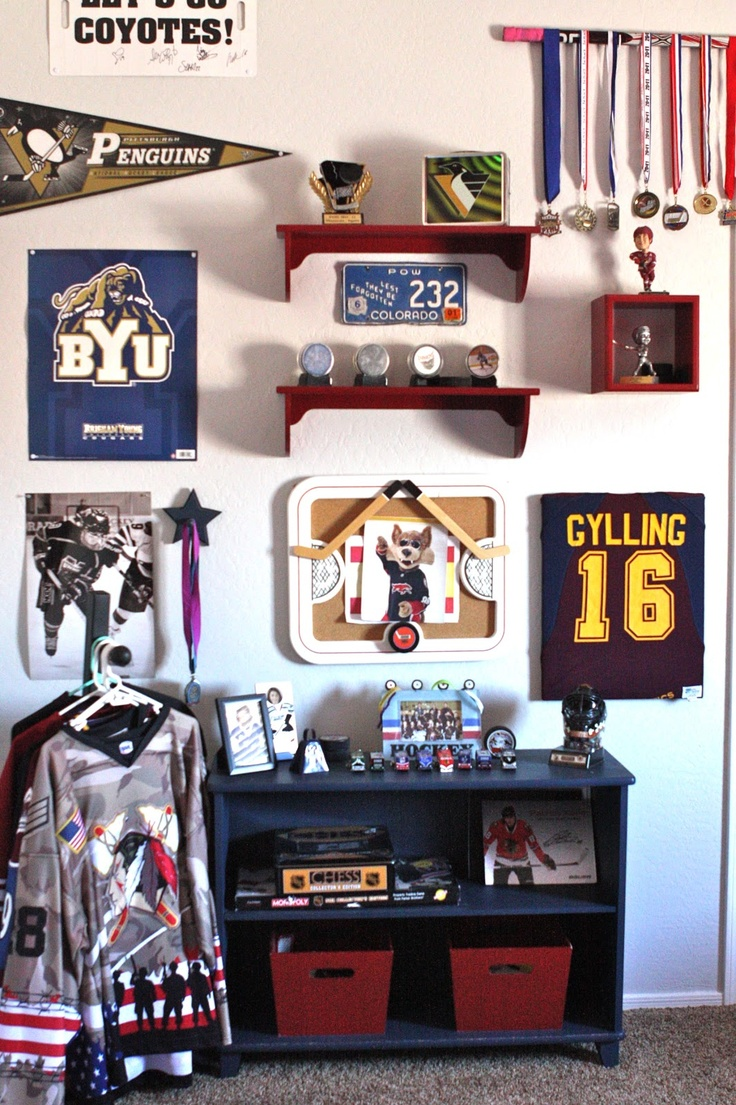 35 best hockey bedroom images on pinterest hockey bedroom great idea to decorate the room oof a child who plays sports
