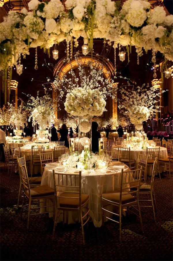 Looking for a big glamorous wedding reception? Try large hydrangea center pieces that will float above your guest as they enjoy their evening.