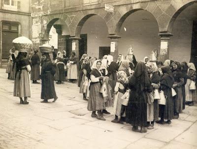 Mulleres no mercado de Santiago de Compostela 1934