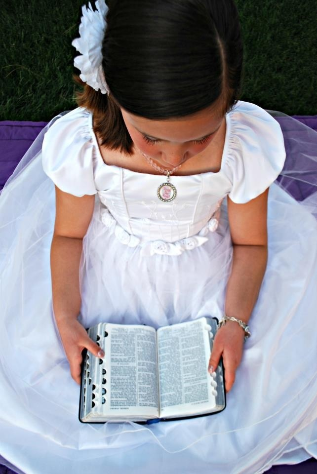 LDS Baptism photo idea, love this gotta do for Brin's baptism!