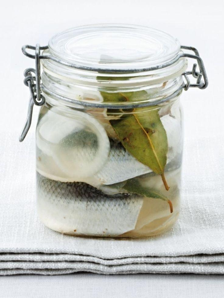 """Het lekkerste recept voor """"Pekelharing"""" vind je bij njam! Ontdek nu meer dan duizenden smakelijke njam!-recepten voor alledaags kookplezier!"""