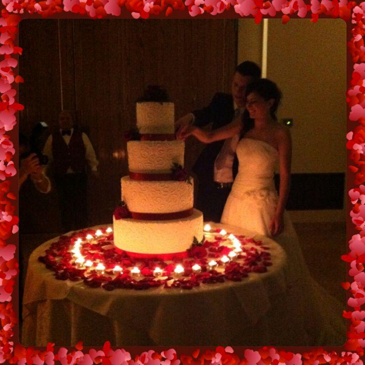 Quando i #sogni si avverano... Grazie Alessandro e Livia ❤️ #weddingcake #tortasposi #chiryscakes #dreams #matrimonio #wedding #sposi #love #amore #biancorosso