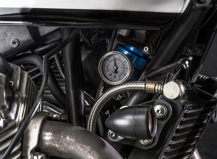 il-sorpasso-moto-guzzi-v11-custom-build-by-emporio-moto-guzzi-13