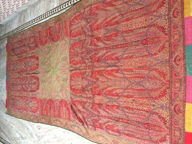 Antique kashmir woven lond shawl awesome condition awesome design size lenght 125 width 60