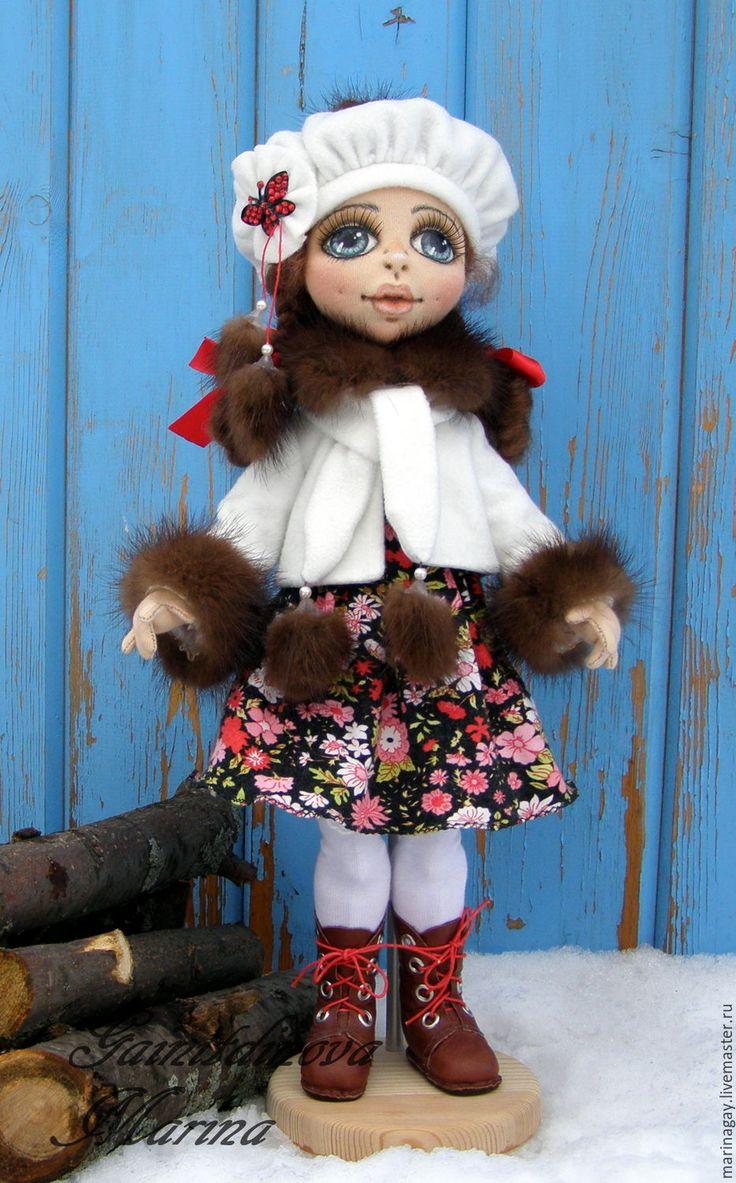 """Купить Текстильная кукла """"Маргарита"""" - бордовый, белый цвет, красивое украшение, меховая куртка"""