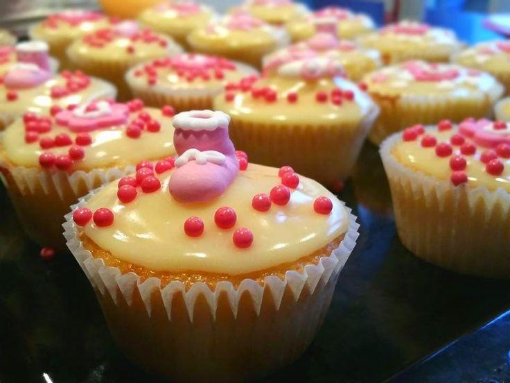 99 Muffins: Ananasmuffins mit weißer Schokolade