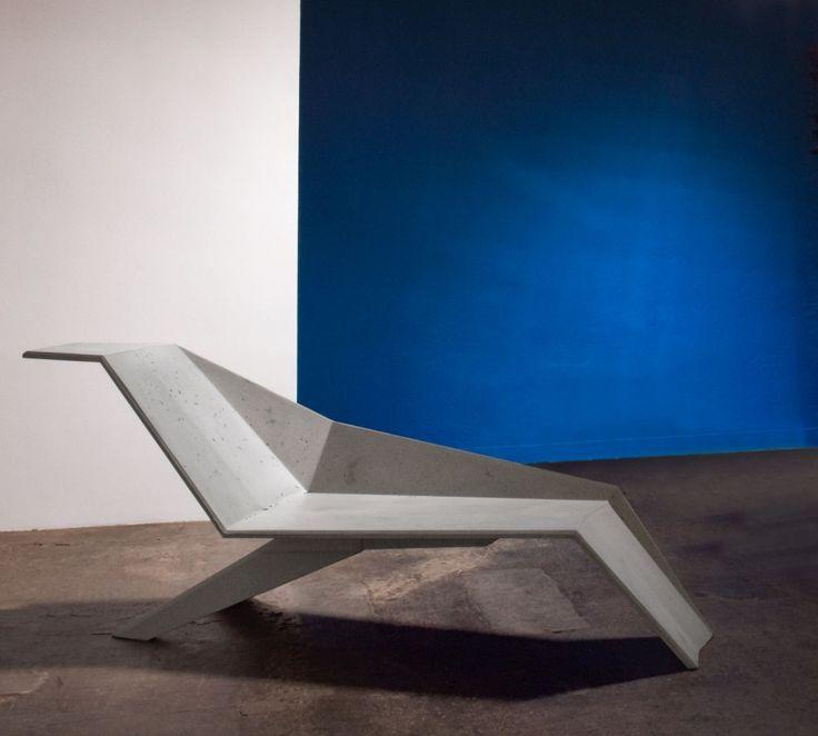Jimmy Delatour est un designer né à Paris, diplômé de l'ESAG Penninghen en 2008. Il s'occupe à sa sortie d'école du studio d'une société d'édition d'objets