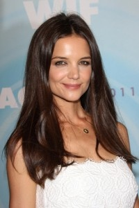 GMA: Risque Rihanna Album Cover & Katie Holmes Taking the Subway in NY