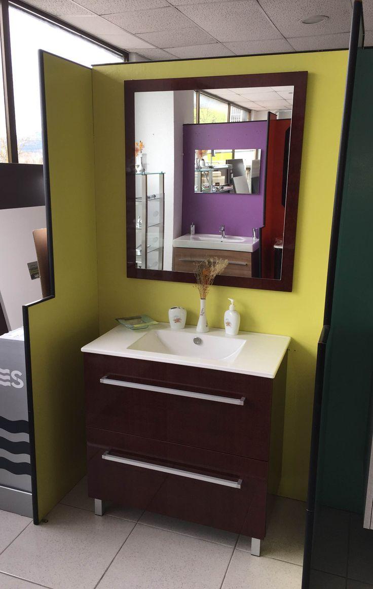 Oferta de mueble, lavabo y espejo.  Precio:  1.146 €  Oferta:  485 €  Materiales de Construcción Aiala.