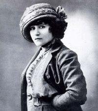 En 1873 Colette est née sous le nom de Sidonie Gabrielle Colette à ..