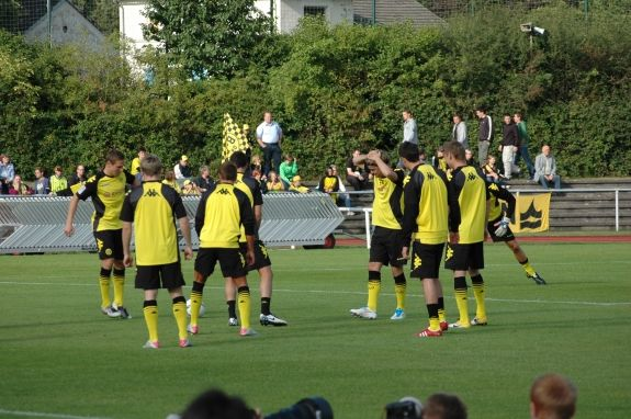 Borussia Dortmund sign Raphaël Guerreiro Get the whole story!  http://www.independentsportsnews.com/2016/06/16/borussia-dortmund-sign-raphael-guerreiro/
