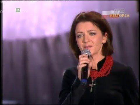 Beata Rybotycka - Rozkwitały pąki białych róż