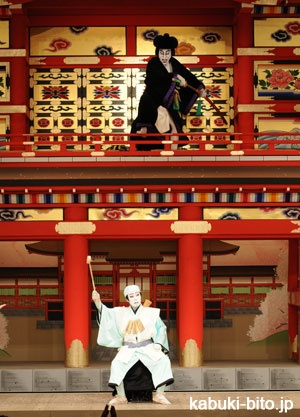 Ebizo performing GOEMON and Enou performing Hideyoshi after 8 years of blank suffering from sickness.