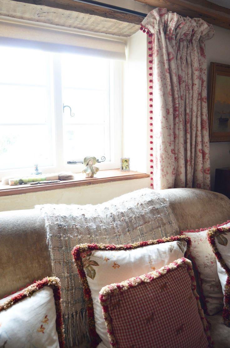 Red & cream living room area www.suescammellinteriors.co.uk