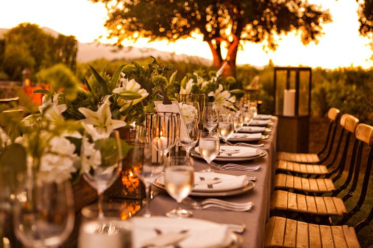 Dinner at Sunset - ----tables we like, re-pinned by Producing Edible