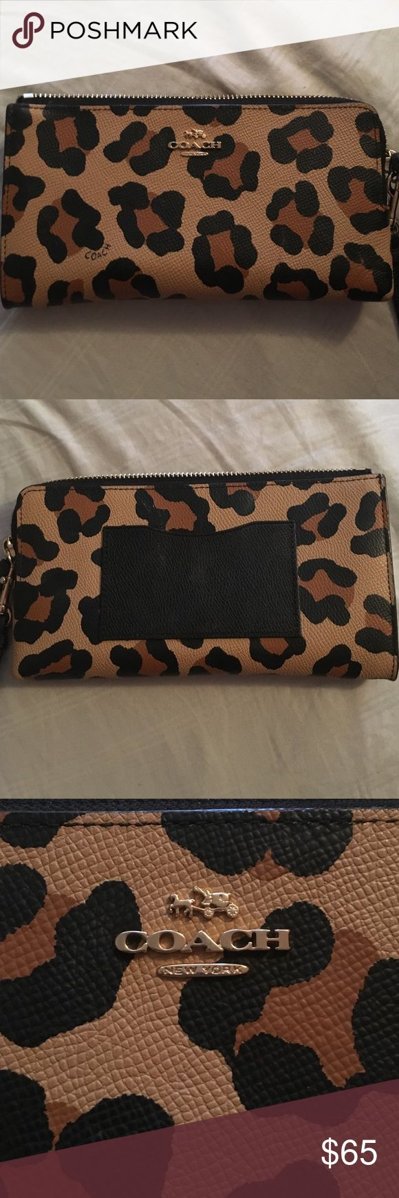 Coach Cheetah Wristlet Cheetah print wallet with detachable Wristlet! It is accordion style with lots of pockets and room for cards. No rips! No tears! No stains! Only been used a handful of times! Coach Bags Clutches & Wristlets