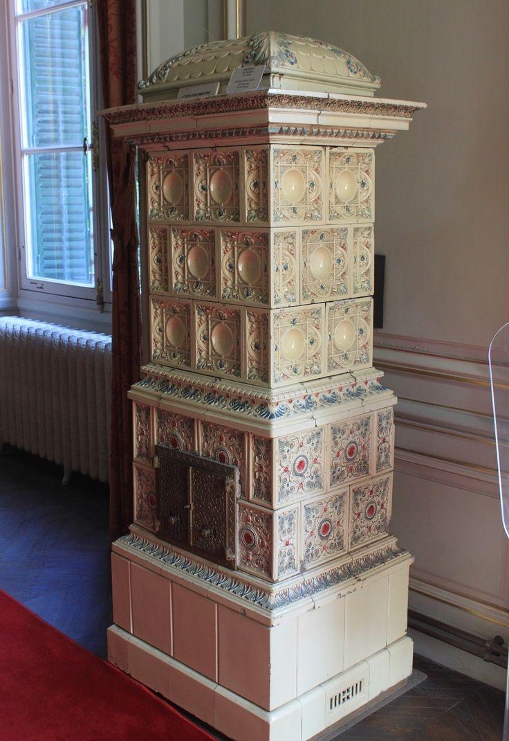 Изразцовая печь, восстановленная Халитом Учароглу из дворца Йылдыз-сарай